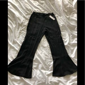 Woman's pants flair ankle